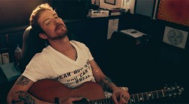 LIVE: FRANK TURNER / PJ BOND - 10/08/2015